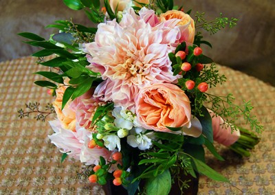 blue and peach wedding bouquet