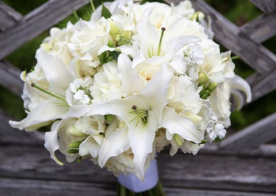 White and Ivory Wedding Bouquets 20