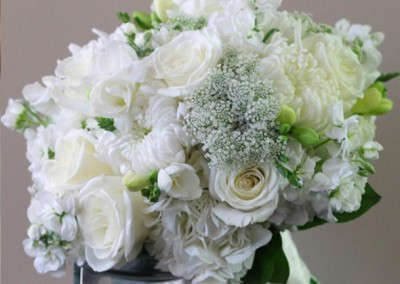 White and Ivory Wedding Bouquets 17
