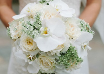 White and Ivory Wedding Bouquets 18