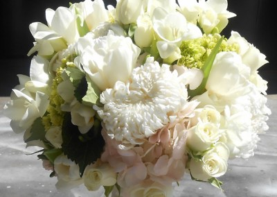 White and Ivory Wedding Bouquets 12