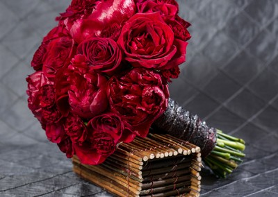 Red and Burgundy Wedding Bouquets1