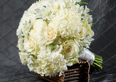 White and Ivory Wedding Bouquets 7