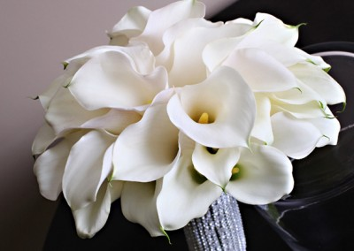 White and Ivory Wedding Bouquets 4
