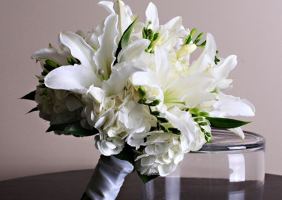 White and Ivory Wedding Bouquets 3